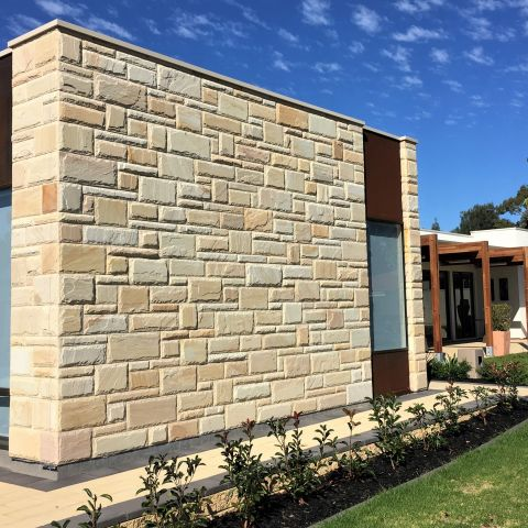sandstone split face bolstered edge veneer